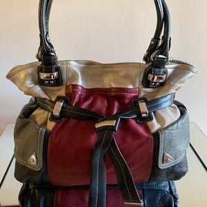 🎀💯Authentic b.makowsky leather handbag.